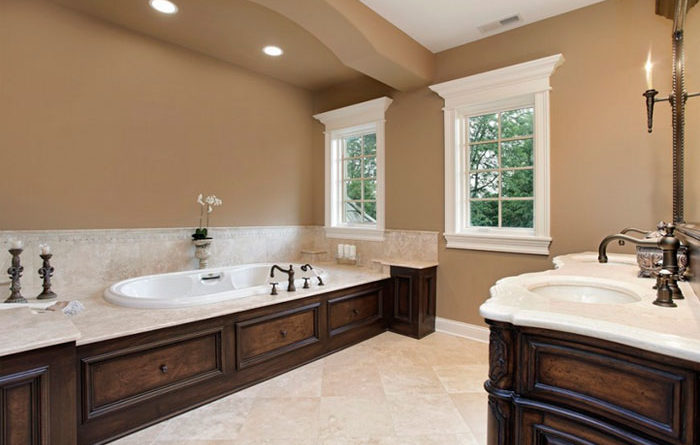Какую краску выбрать для покраски стен на кухне и в ванной