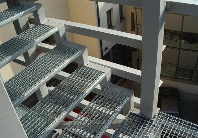 Лестницы из прессованного настила